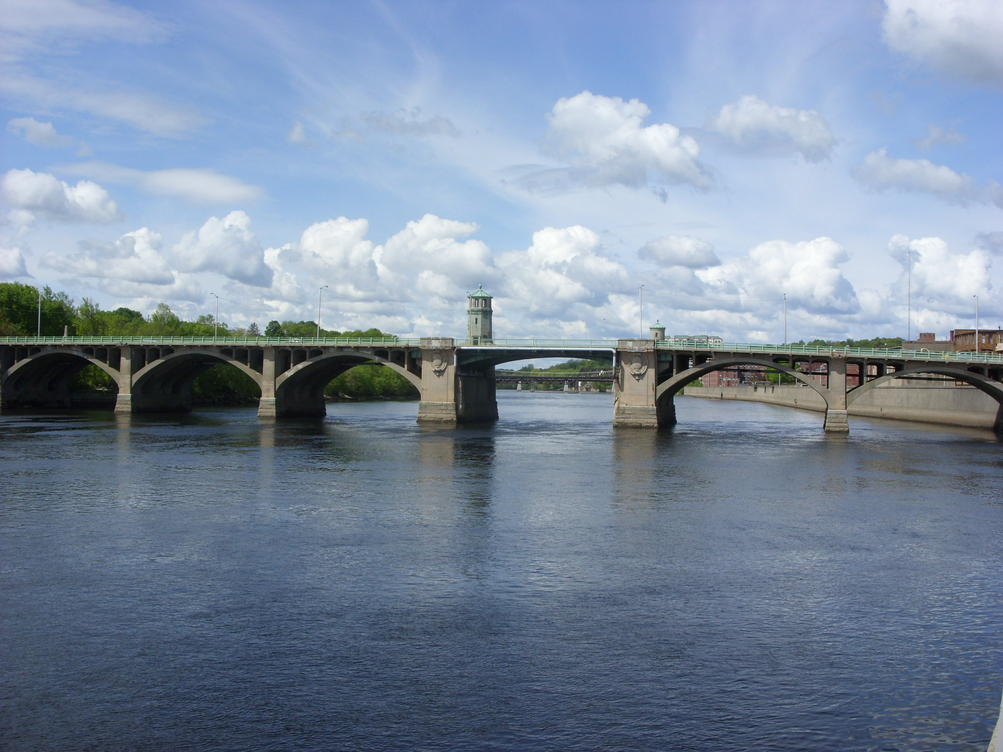 Haverhil Massachusetts view of Merrimack River from Basiliere Bridge